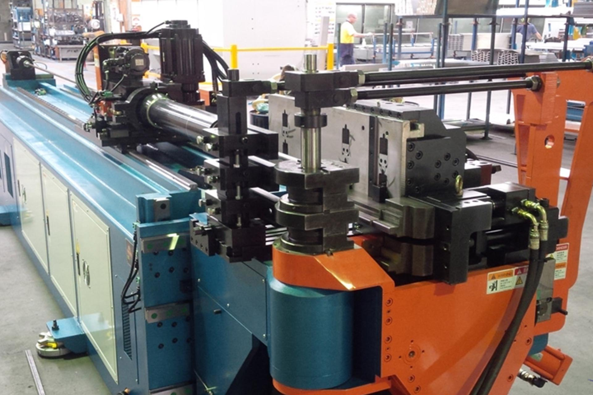 Shuztung 3 Stack Multi Axes CNC Tube Bender Installation