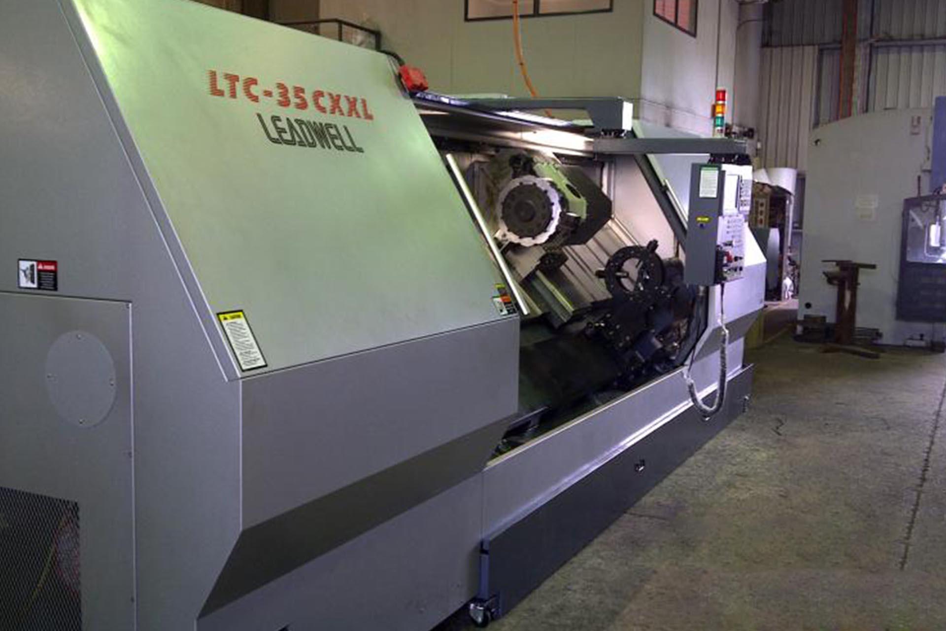 Large Leadwell CNC lathe