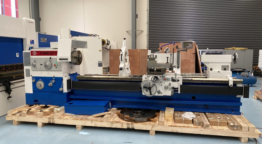 Large lathe for stock